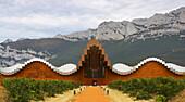 Bodegas Ysios from architect Santiago Calatrava, near Laguardia, País Vasco, Euskadi, Spain