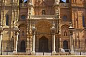 Außenansicht der Kathedrale Santa María, Astorga, Kastilien-Leon, Spanien
