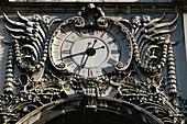Clock of Triumphal Arch, Arco da Rua Augusta, Praca do Comercio, Baixa, Lisbon, Portugal