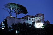 Illuminated Castello Brown at night, Portofino, Liguria, Italia