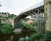The Iron Bridge, the world s first cast iron bridge (1779). Shropshire. Engand
