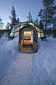 Glass room, igloo style. Hotel Kakslauttanen. Lapland. Ivalo. Finlandia