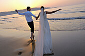 ng, Bonds, Bridal couple, Bride, Bridegroom, Bridegrooms, Brides, Carefree, Caucasian, Caucasians, Co