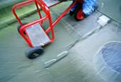 Detail, Details, Farbe, Gegenstand, Gegenstände, Horizontal, Industrie, Industriell, Niemand, Rad, Räder, Rot, Sachaufnahme, Spezialeffekte, Unscharf, Verwischt, B75-262103, agefotostock