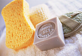 Bar of soap, Bars of soap, Beauty, Beauty Care, Close up, Close-up, Closeup, Color, Colour, Concept, Concepts, Cosmetic, Cosmetics, Feminine, Horizontal, Hygiene, Indoor, Indoors, Interior, Object, Objects, Soap, Sponge, Sponges, Still life, Thing, Thing