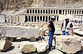 Polish archeologists ayt work on queen Hatshepsut s Temple site, near Deir-el Bahri. West Bank. Luxor. High Egypt. Egypt