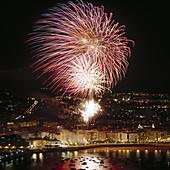 Fireworks, Semana Grande (local festivity), La Concha Bay, San Sebastian, Guipúzcoa province, Spain