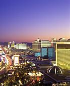 Hotels & casinos, the strip, Las vegas, Nevada, USA.