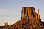 Monument Valley Navajo Tribal Park, Navajo Nation, Arizona/Utah, USA.