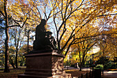 Walter scott statue, The mall, Central Park, Manhattan, New York, USA