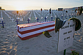 Memorial for irak war dead at santa monica beach, Santa Monica Pier , Los Angeles, California, USA
