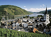 Germany, Bacharach, Rhine, Rhineland-Palatinate, Rhine landscape, city view, vineyards