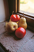 Aliment, Aliments, Color, Colour, Daytime, Food, Foodstuff, Fruit, Fruits, Healthy, Healthy food, Heaped, Indoor, Indoors, Inside, Interior, Nourishment, Nutrition, Pear, Pears, Piled up, Red, Still life, Tomato, Tomatoes, Varied, Variety, Vegetable, Veg