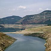 Drought. Sau reservoir, Osona, Barcelona province, Spain