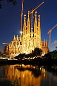 Spanien,Barcelona,Sagrada Familia,Daemmerung