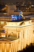 Berlin Brandenburger Tor Festival of Lights Blick vom Reichstag aus
