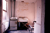 Abandoned, Abandonment, Color, Colour, Concept, Concepts, Difficulty, Dirty, Distress, Hardship, Home, Horizontal, House, Houses, Indoor, Indoors, Interior, Kitchen, Kitchens, Old, Poor, Poverty, Sink, Social issues, Suffer, Suffering, CatV4, 6791, agefo