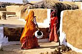 Women at village near Jaisalmer. Rajasthan, India