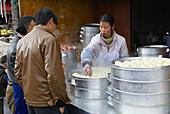 China. Yunnan province. City of Lijiang. UNESCO World Heritage. Local market.