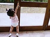 rls, Home, Horizontal, Human, Indoor, Indoors, Infant, Infantile, Infants, Inside, Interior, Learn, L