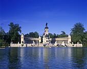 Alfonso xii monument, Boat lake, Retiro park, Madrid, Spain.