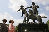 Kelly Ingram Park, Foot Soldiers statue, Black History, Civil Rights, couple. Birmingham, Alabama. USA.