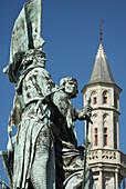 Europe. Belgium. West-Vlaanderen (Flanders). . Brugge (Bruges). The Markt (Main Market Place). Statue of Pieter de Coninck and Jan Breidel.
