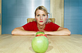 Decision making, Decision-making, Decisions, Female, Food, Fruit, Fruits, Healthy, Healthy food, Hori