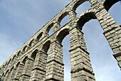 Roman aqueduct built aprox. first century A.D., with 166 arcs composed by 20.000 granite blocks from Guadarrama that are held together without any kind of binding agent or mortar. Segovia (city added to Unesco s World Heritage List in 1985). Spain