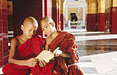 Children portrait. Maha Muni Pagoda. Mandalay. Myanmar (Burma).