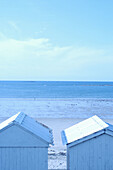 Bathing hut, Bathing huts, Beach, Beaches, Blue, Blue tone, Cabana, Cabanas, Calm, Calmness, Coast, Coastal, Color, Colour, Contemporary, Daytime, Deserted, Exterior, Holiday, Holidays, Horizon, Horizons, Leisure, Monochromatic, Monochrome, Nobody, Outdo