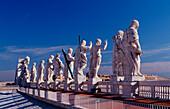 Statues of saints, St Peters Basilica, Italy, Rom, Vatikanstadt