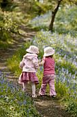 Family, Female, Flower, Flowers, Friend, Friends, Friendship, Full-body, Full-length, Girl, Girls, Gr