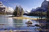 Maligne Lake and Spirit Island, Rocky Mountains, Jasper Narional Park. Alberta, Canada