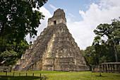 Temple of the Gran Jaguar (Temple I) at the Gran Plaza. Tikal. Mayan Archeological site. Petén Department. Guatemala. Central America.