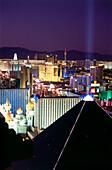 Blick über The Strip at night, Las Vegas, Nevada, USA, America
