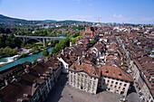 Blick von Münsterplatz und die Aare, Altstadt, Bern, Schweiz