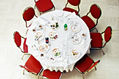 Above, Banquet, Chair, Chairs, Color, Colour, Concept, Concepts, Contemporary, Dish, Dishes, End, Food, From above, Horizontal, Indoor, Indoors, Interior, Lunch, Lunches, Meal, Meals, Meeting, Meetings, Nobody, Nourishment, Party, Plate, Plates, Remains,