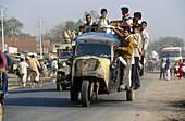 Grand Trunk Road. Uttar Pradesh, India