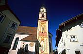 Die Kirche im Zentrum von Mittenwald, Bayern, Deutschland