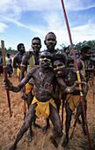 Eine Gruppe von Aboriginal Tänzern während des Garma Festivals, Australien