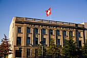 Schweizer Botschaft Berlin Tiergarten, Flagge