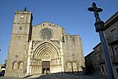 Church, Castelló dEmpúries. Alt Empordà, Girona province. Catalonia, Spain