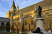 Europe, Great Britain, England, London, Houses of Parliament and the statue of Oliver Cromwell