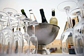 Alcohol, Alcoholic beverage, Alcoholic drink, Alcoholic drinks, Alcoholick beverages, Bottle, Bottles, Champagne, Close up, Close-up, Closeup, Color, Colour, Detail, Details, Empty, Glasses, Ice, Ready, Selective focus, Sparkling wine, Still life, Varied,