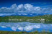 Berglandschaft mit Spiegelung, Twelve Bens, Na Beanna Beola, Connemara, Co. Galway, Republik Irland, Europa