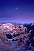 Evening moonrise over Bryce Canyon, Bryce Canyon National Park, Utah, USA