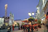 Main square with plague column in the evening light, Trinity Column, Linz, Upper Austria, Austria