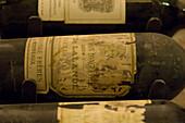 Raritäten Weinkeller mit Sammlerstücke von hohem Wert und Einzelflaschen hohen Alters, Jahrgang, Palais Coburg, Wein, Österreich