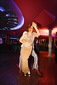 Paar tanzt Salsa, Club Cache, Manhattan, New York City, New York, USA